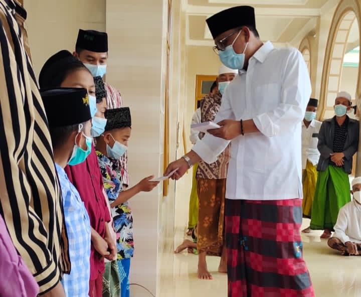 Idul Adha 2021, AMB Foundation Berkurban Sapi dan Bagikan 500 Bungkus Sembako