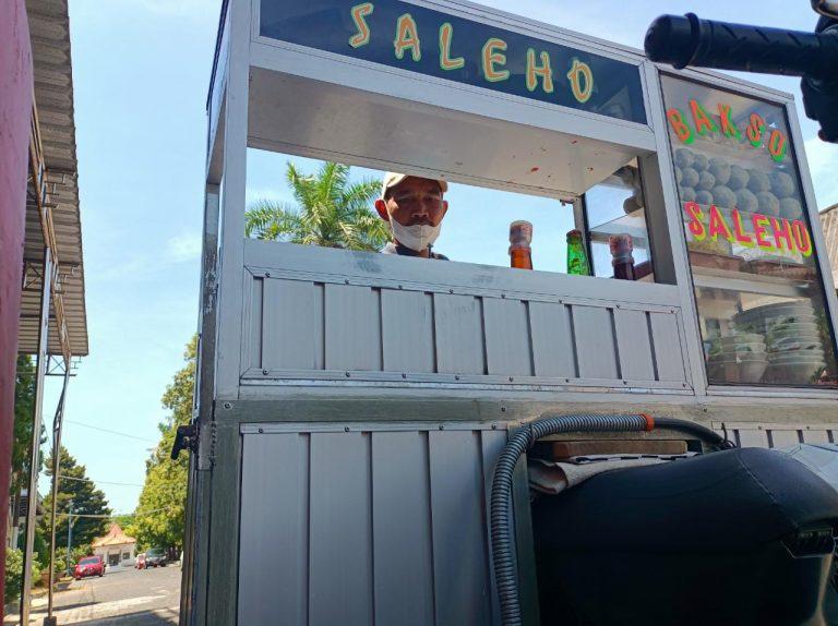 Kembalinya Senyum Penjual Bakso Saleho