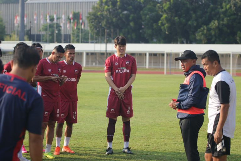 Jelang Lawan PS Tira, Madura United Datangkan Pemain Asal Korea